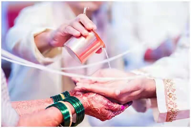 The sacred thread by Sagar Makwana Wedding-photography | Weddings Photos & Ideas