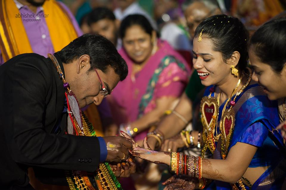 Capturing the joys! by Abhishek Sarkar Wedding-photography Bridal-jewellery-and-accessories Bridal-makeup | Weddings Photos & Ideas