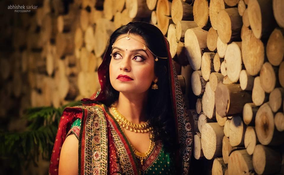 That gaze! by Abhishek Sarkar Wedding-photography Bridal-jewellery-and-accessories Bridal-makeup | Weddings Photos & Ideas