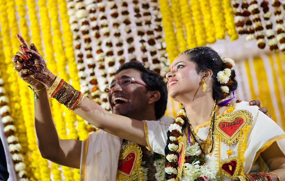 There lies the heart! by Abhishek Sarkar Wedding-photography Bridal-jewellery-and-accessories | Weddings Photos & Ideas