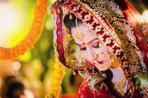 Ohh so pretty! by Abhishek Sarkar Wedding-photography Bridal-jewellery-and-accessories | Weddings Photos & Ideas