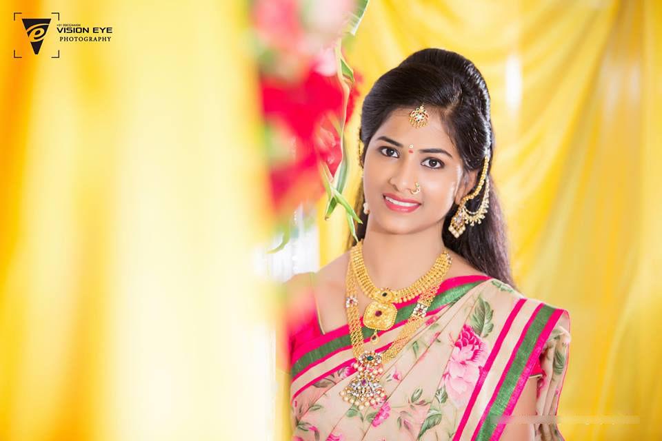 Bride Portrait Shot by Srikanth Reddy Basadi Wedding-photography   Weddings Photos & Ideas