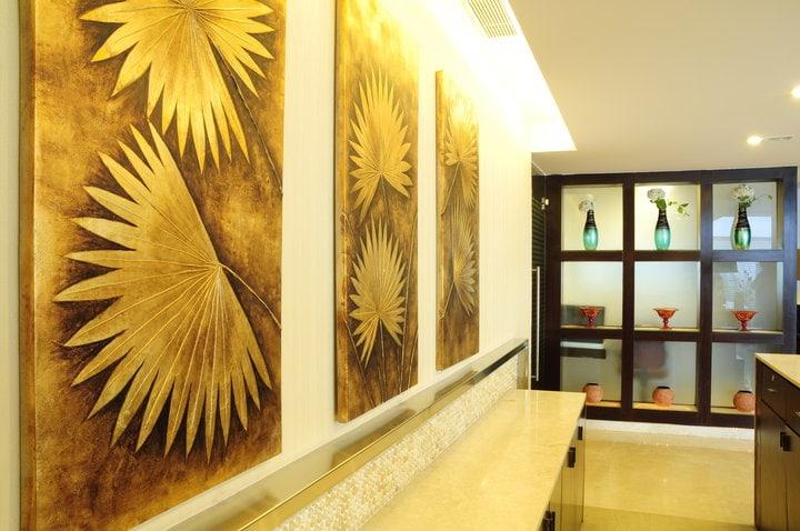Hallway by Rashmi Indoor-spaces Modern | Interior Design Photos & Ideas