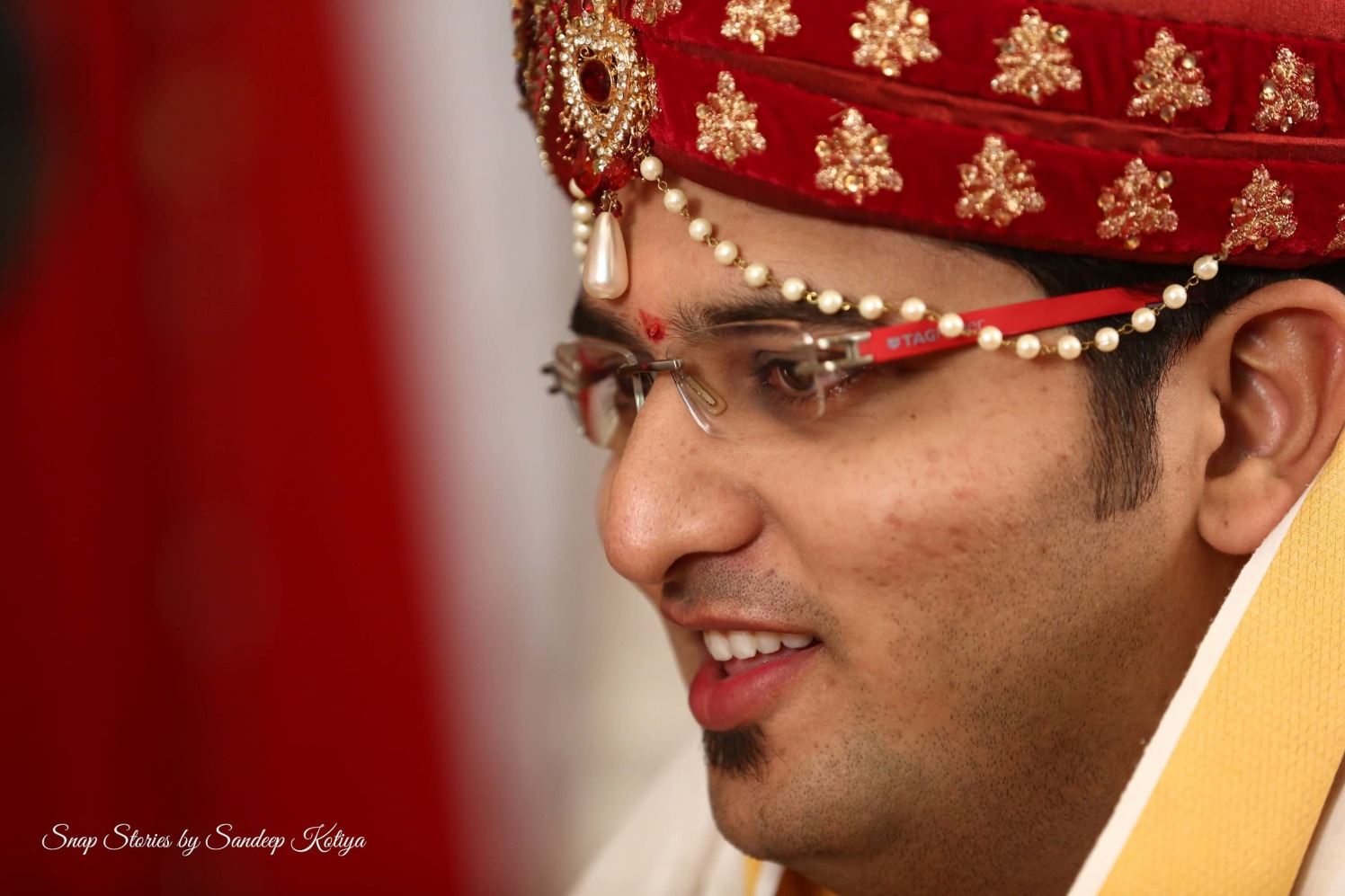 Glimpse of the groom! by sandip kotia Photography Wedding-photography | Weddings Photos & Ideas