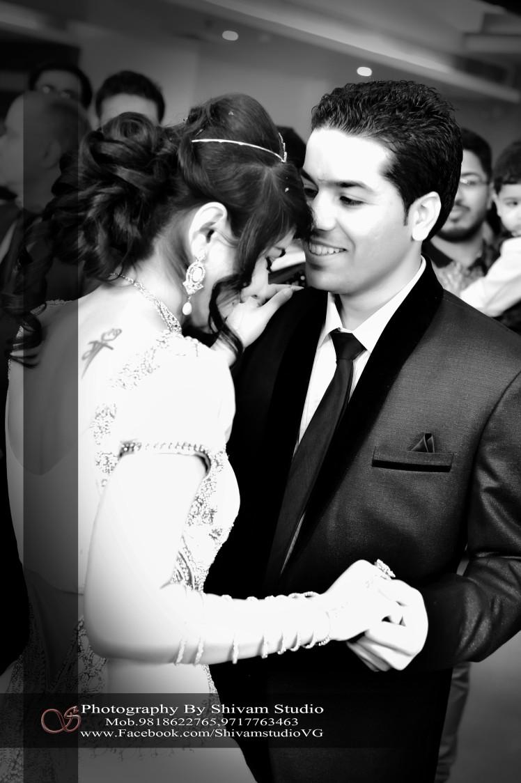 Stunning Couple portrait by Shivam Studio Wedding-photography | Weddings Photos & Ideas