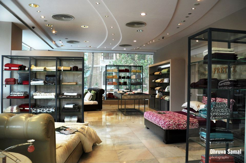 Spacious Clothing Outlet by Dhruva Samal & Associates | Interior Design Photos & Ideas