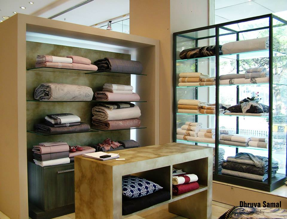 Clothing Outlet by Dhruva Samal & Associates | Interior Design Photos & Ideas