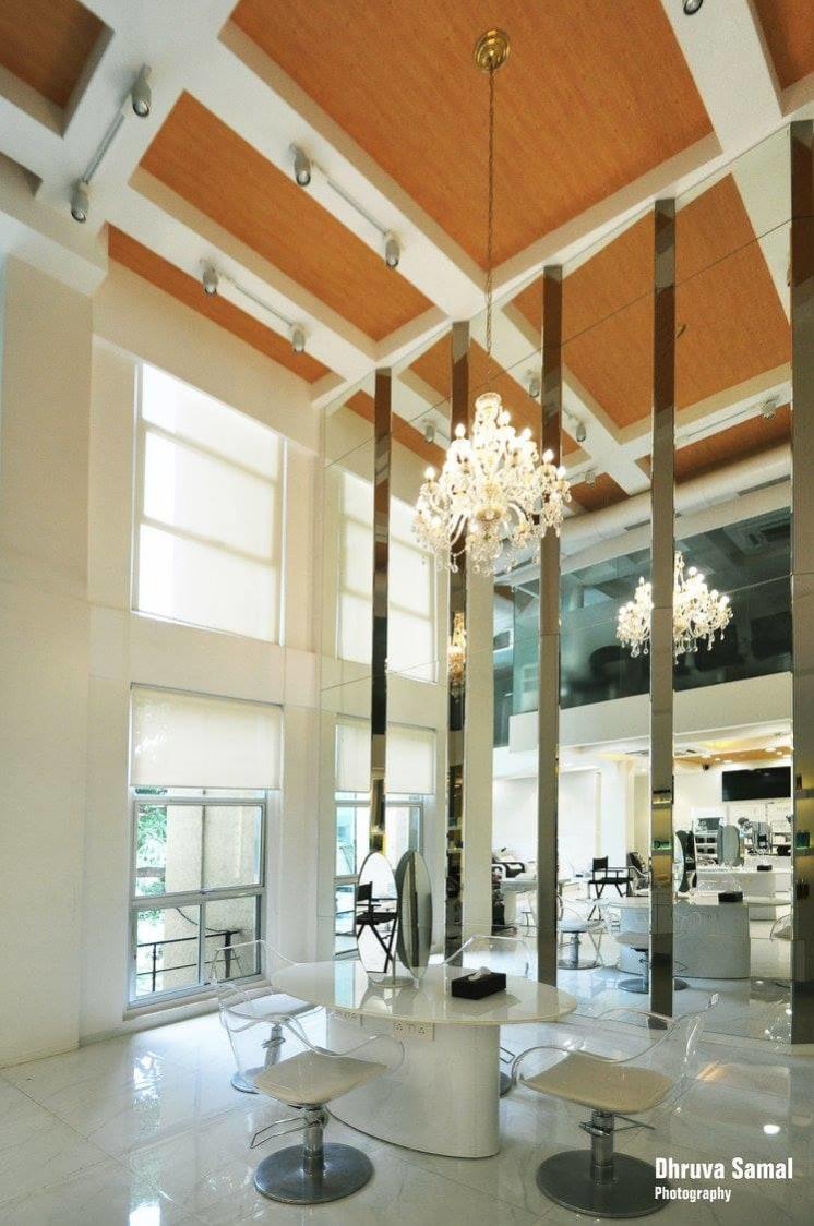 Salon Reception by Dhruva Samal & Associates   Interior Design Photos & Ideas