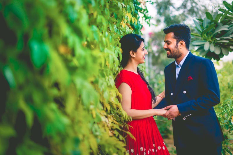 A charming bride and groom on their pre-wedding shoot. by Akash Anand Photography  Wedding-photography | Weddings Photos & Ideas