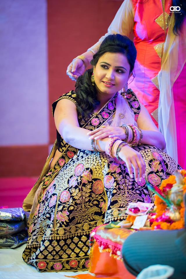 A ravishing bride. by Akash Anand Photography  Wedding-photography   Weddings Photos & Ideas