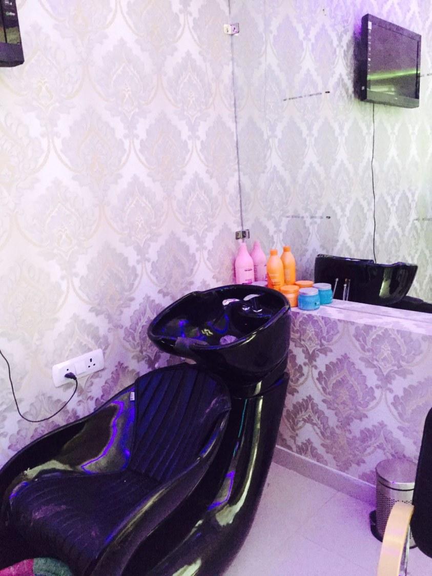 Salon Hairwash Chair by Arpit Khurana Contemporary   Interior Design Photos & Ideas