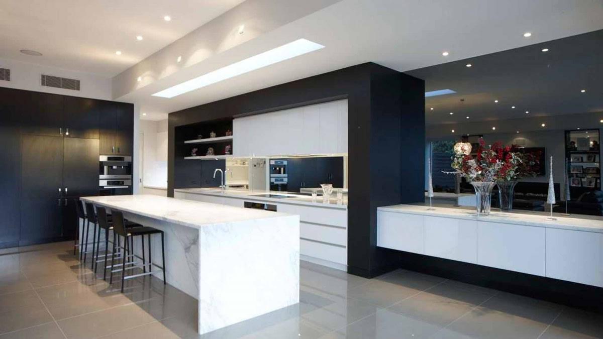 Spacious kitchen With Modern Appliances by Hemant Sahni Modular-kitchen Contemporary | Interior Design Photos & Ideas