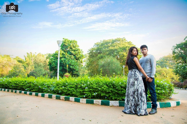 Couple Photo shoot by Dilip Wedding-photography | Weddings Photos & Ideas