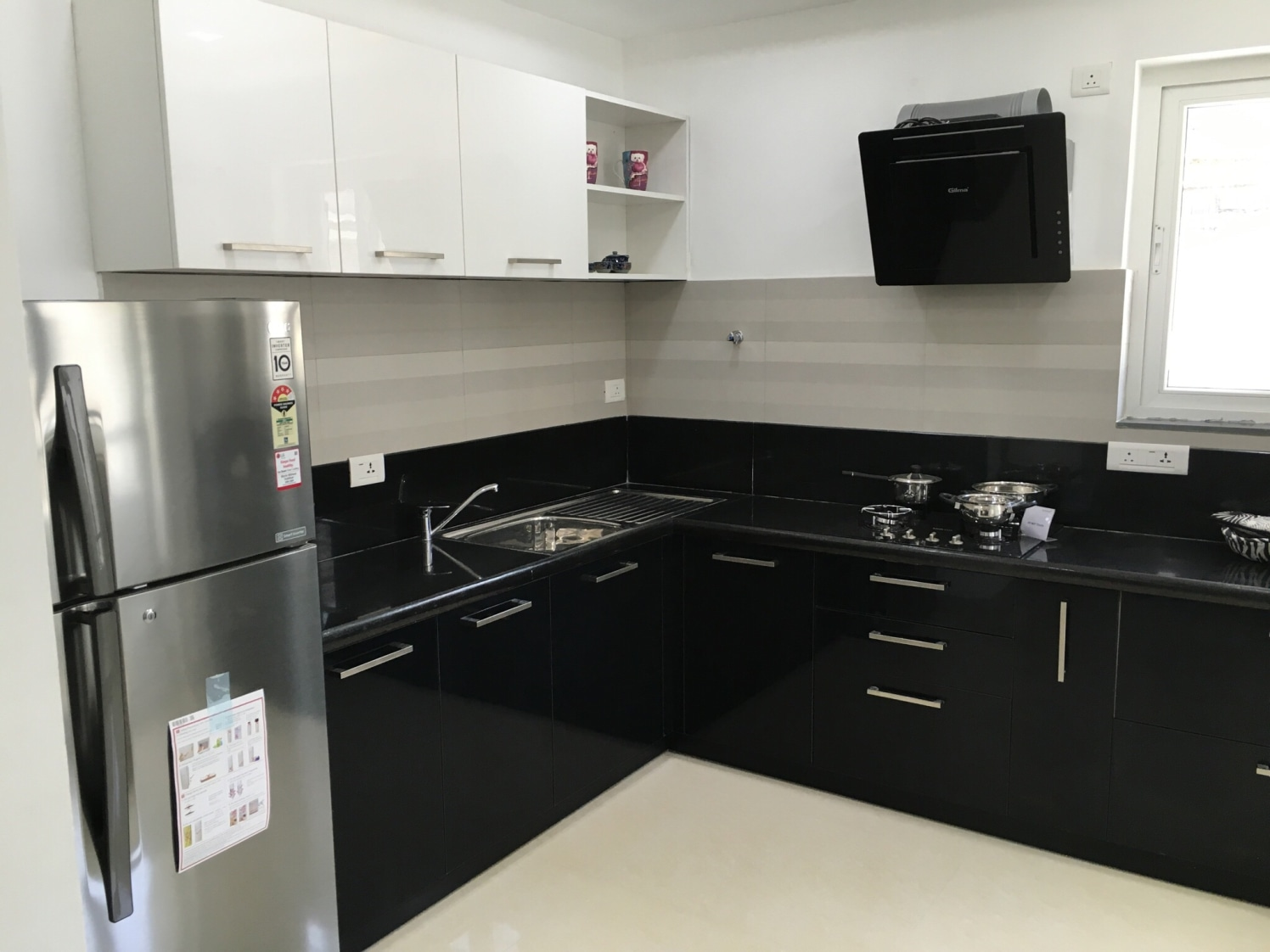 Black Modular Kitchen By Prabhakar