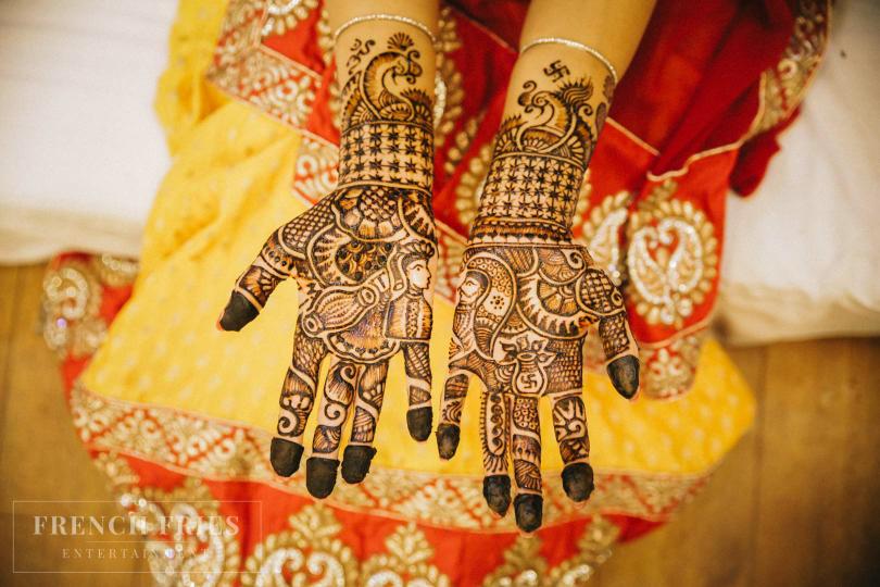 Intricate Mehendi Design by Ravneet Oberoi Wedding-photography Bridal-mehendi | Weddings Photos & Ideas