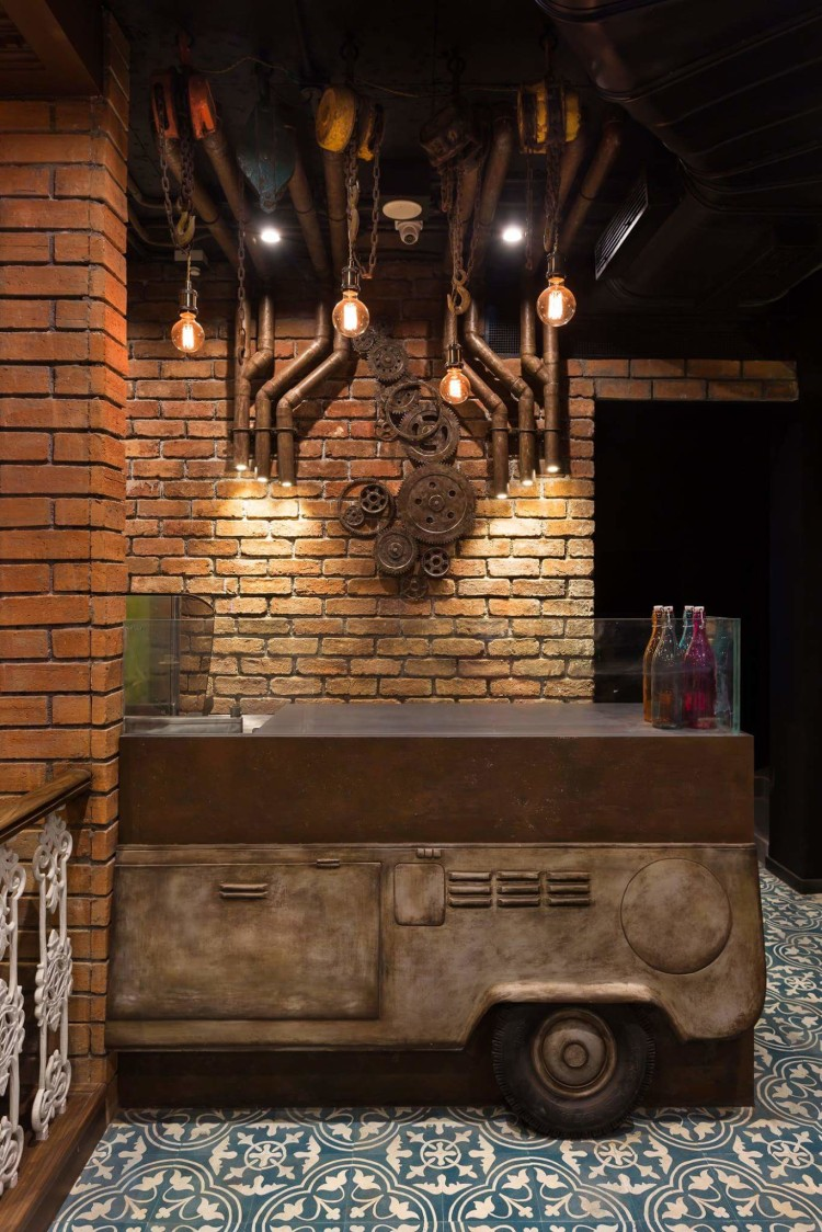 Live kitchen area with rustic design by Da Namah Design Studio  Vintage | Interior Design Photos & Ideas
