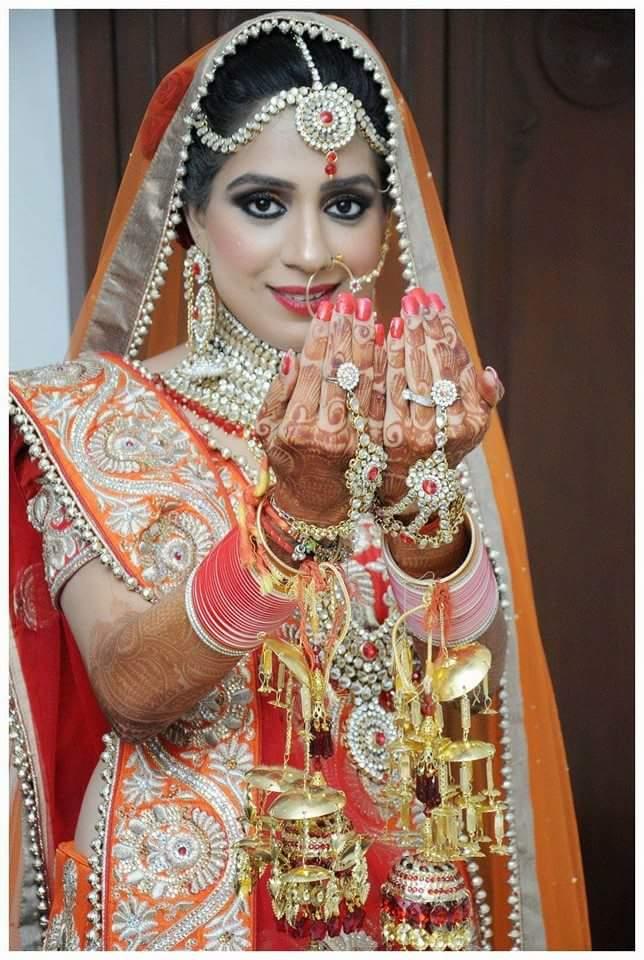 Polki And Kundan Mathapatti With Bold Wedding Make Up by Preeti Sharma Wedding-photography Bridal-jewellery-and-accessories Bridal-makeup | Weddings Photos & Ideas