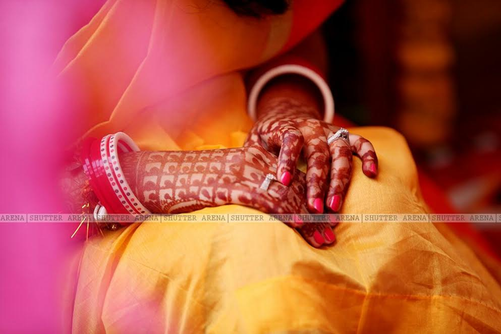 Flaunting henna by SHUTTER ARENA Wedding-photography | Weddings Photos & Ideas