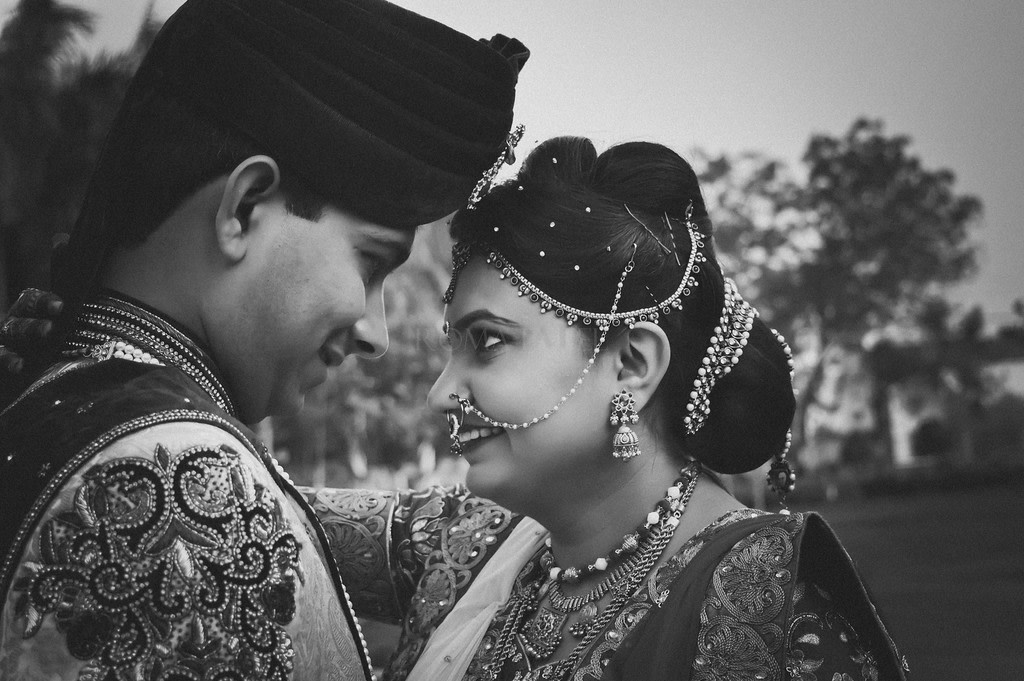 Bridal and groom accessories! by Roma Patel Photography Wedding-photography | Weddings Photos & Ideas