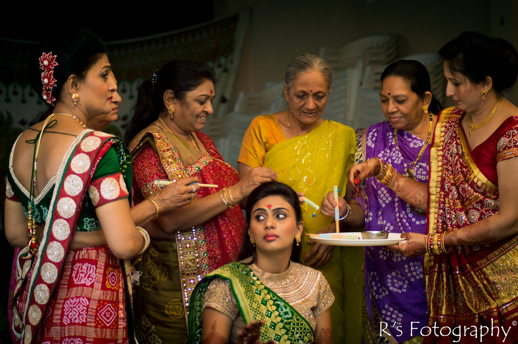 Special traditions! by Roma Patel Photography Wedding-photography | Weddings Photos & Ideas