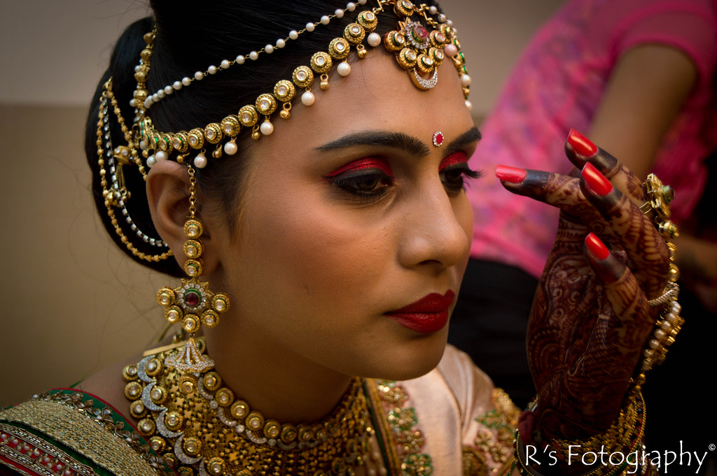 Bridal makeup and accessories! by Roma Patel Photography Wedding-photography | Weddings Photos & Ideas
