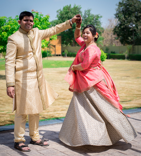 Bridal and groom portrait by Roma Patel Photography Wedding-photography | Weddings Photos & Ideas