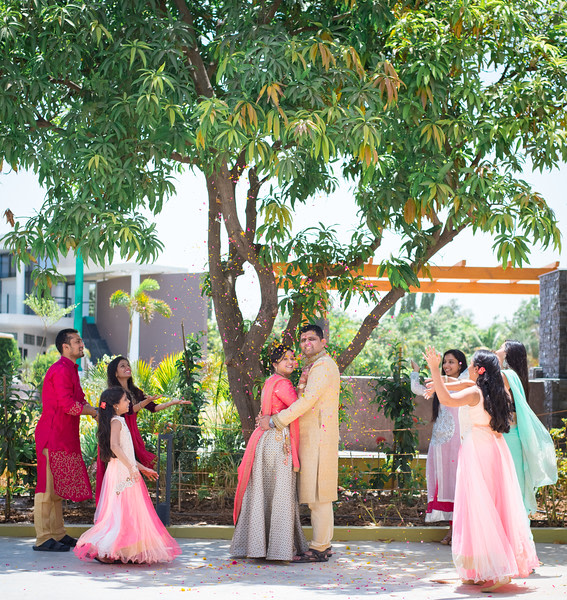 Family shot! by Roma Patel Photography Wedding-photography | Weddings Photos & Ideas