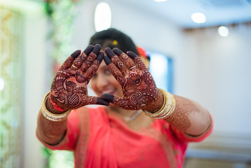 Mehendi shot! by Roma Patel Photography Wedding-photography | Weddings Photos & Ideas
