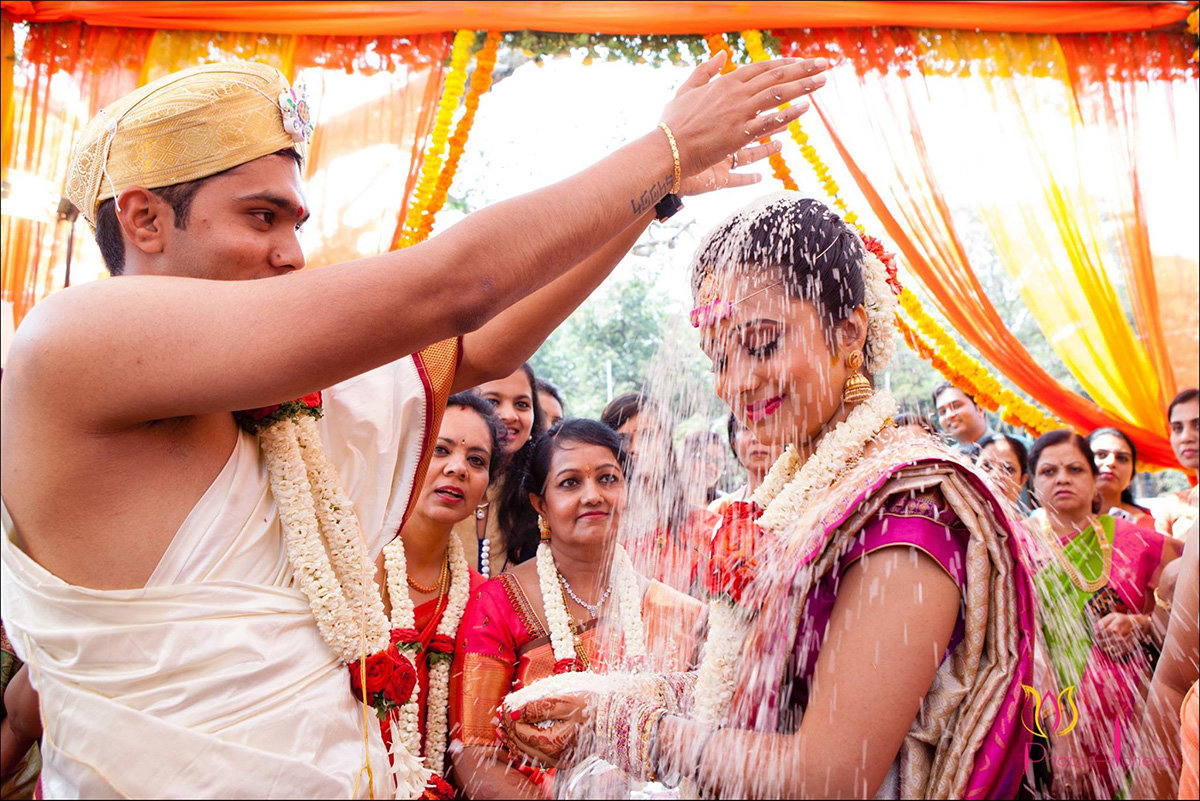 Showering ritual by Photo Alchemy Wedding-photography | Weddings Photos & Ideas