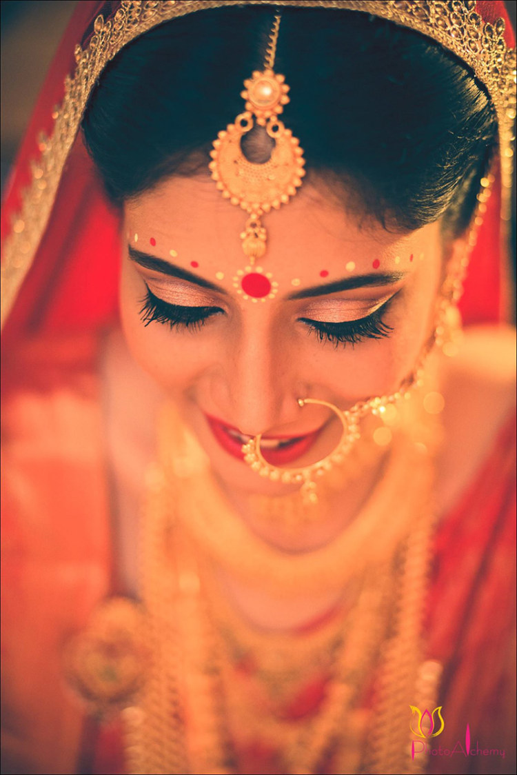 Gilded glory by Photo Alchemy Wedding-photography Bridal-jewellery-and-accessories Bridal-makeup | Weddings Photos & Ideas
