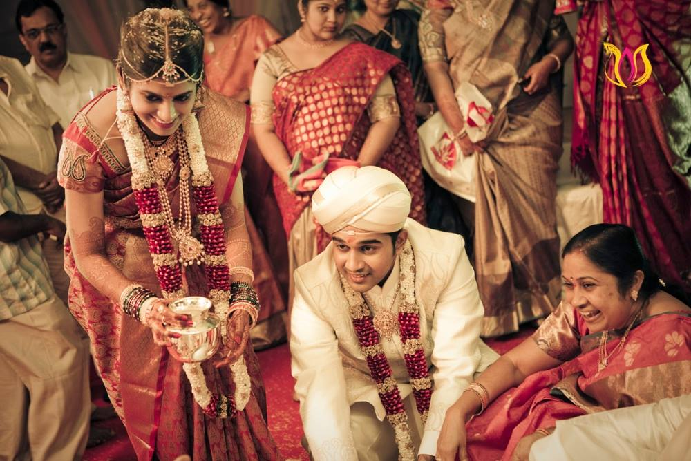 Silver pot ritual by Photo Alchemy Wedding-photography | Weddings Photos & Ideas