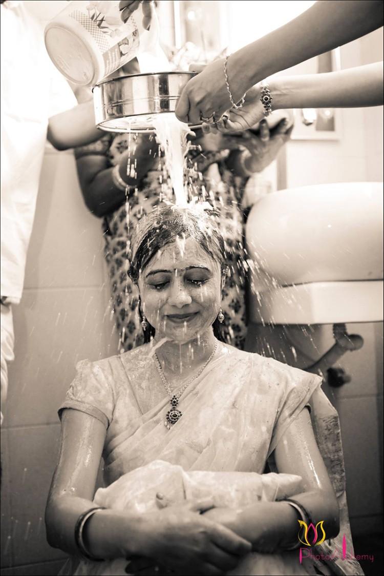 Bathe ritual by Photo Alchemy Wedding-photography | Weddings Photos & Ideas