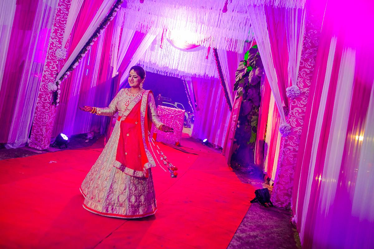 A swirling glory! by Studio RGB Wedding-photography   Weddings Photos & Ideas
