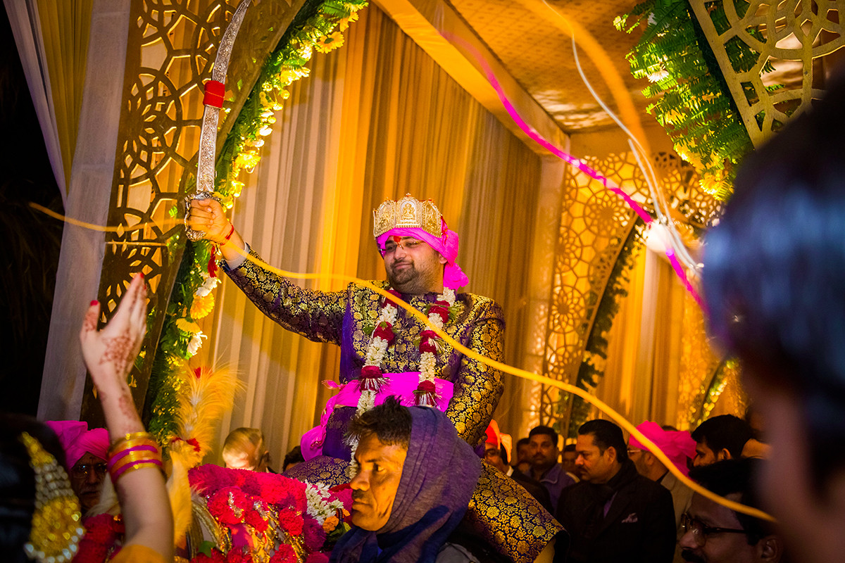The groom is here to sway! by Studio RGB Wedding-photography | Weddings Photos & Ideas