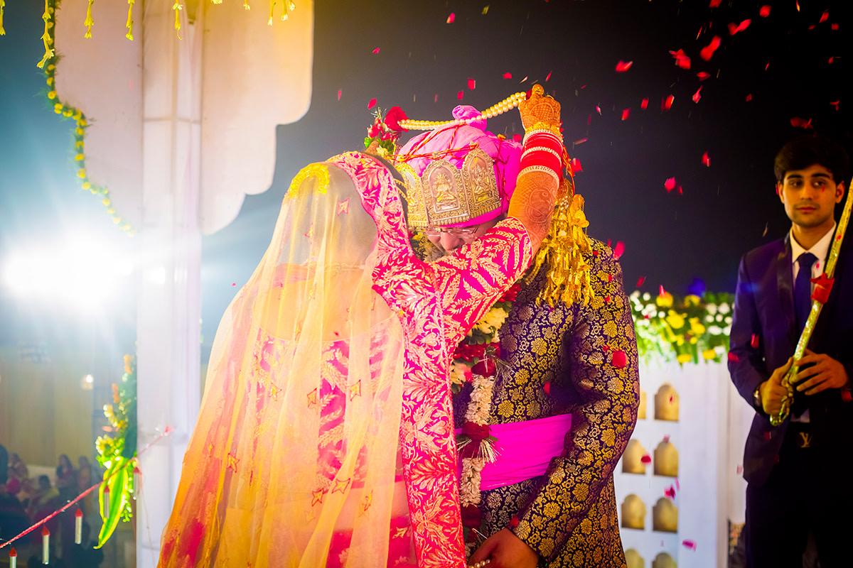 Jai mala moment! by Studio RGB Wedding-photography | Weddings Photos & Ideas