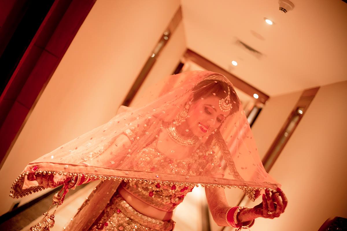 Indian bride goes posy! by Studio RGB Wedding-photography | Weddings Photos & Ideas
