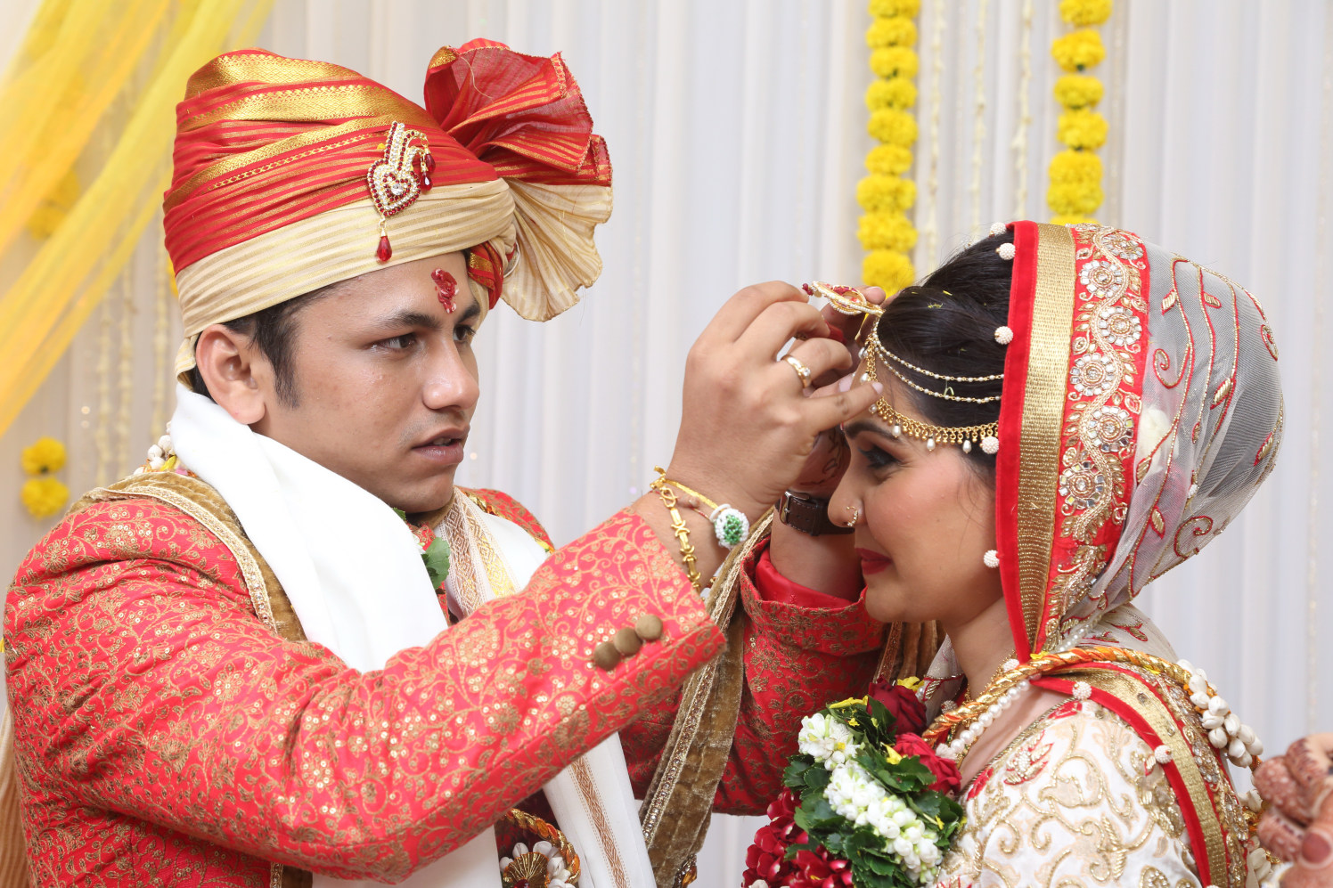 Stunning couple by Shobha Dhillon Wedding-photography | Weddings Photos & Ideas
