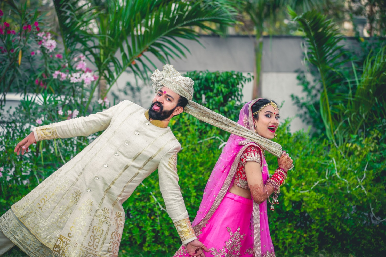 Groom Wearing White Sherwani With Golden Borders by Aniket Kanitkar Wedding-photography | Weddings Photos & Ideas