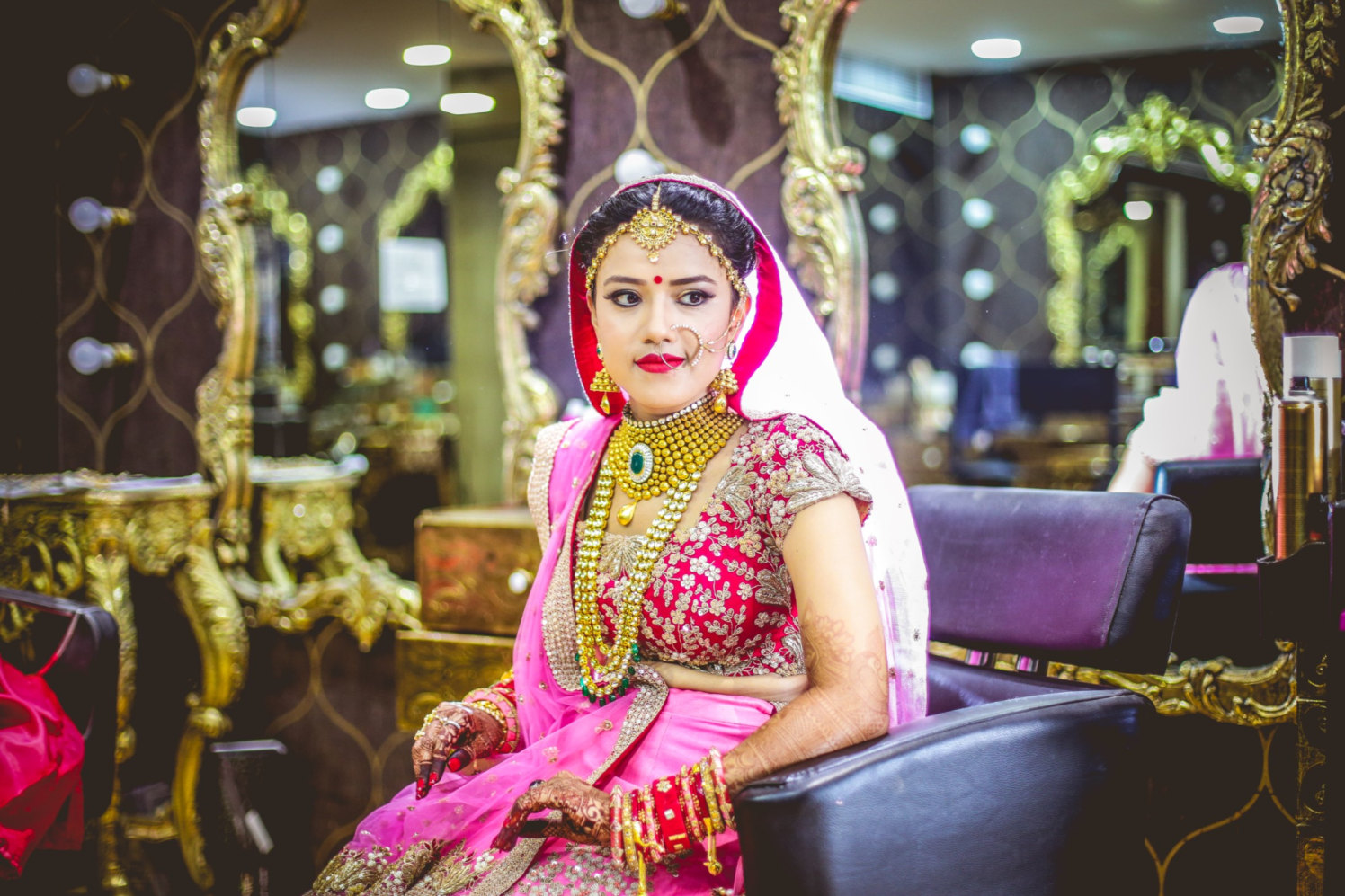 Gorgeous Bride Adorned With Polki Gold Jewellery by Aniket Kanitkar Wedding-photography Bridal-jewellery-and-accessories Bridal-makeup | Weddings Photos & Ideas