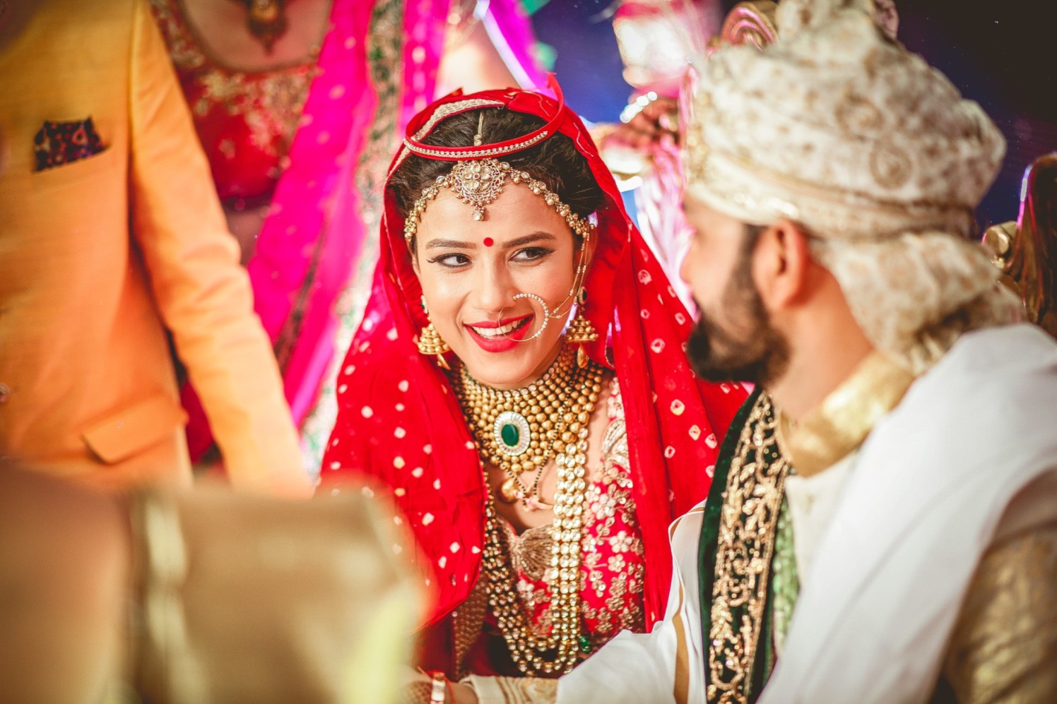 Bride Adorned With Polki Gold Jewellery by Aniket Kanitkar Wedding-photography Bridal-jewellery-and-accessories Bridal-makeup | Weddings Photos & Ideas