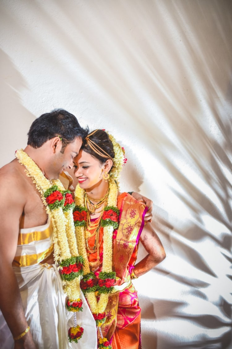 Bride Wearing Silk Saree And Garland by Aniket Kanitkar Wedding-photography | Weddings Photos & Ideas