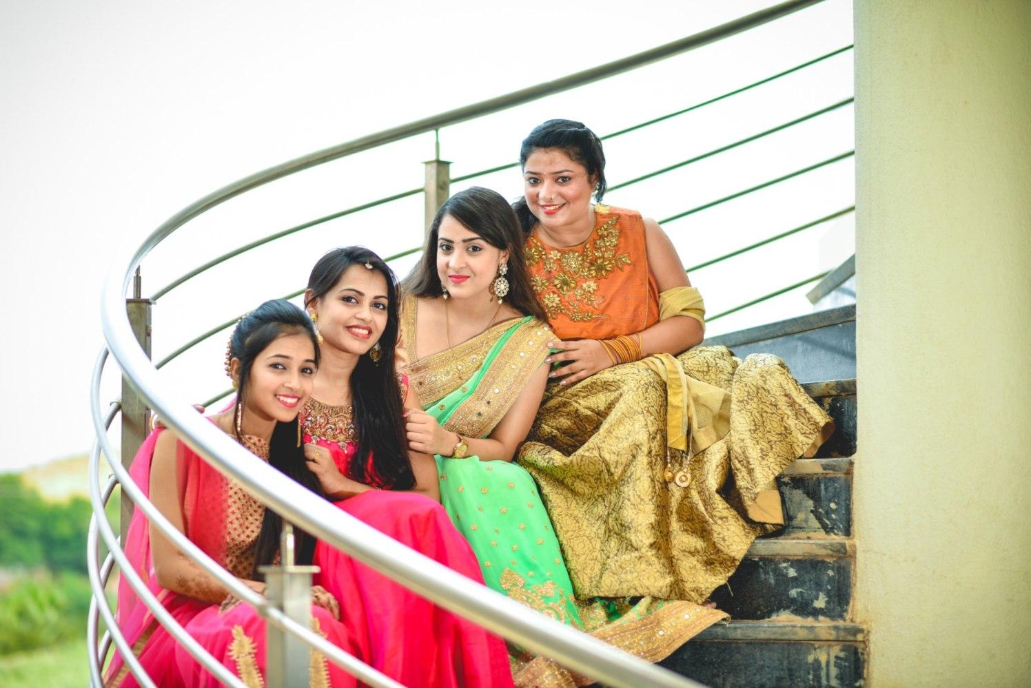 Ladies choose to pose! by Aniket Kanitkar Photography Wedding-photography | Weddings Photos & Ideas