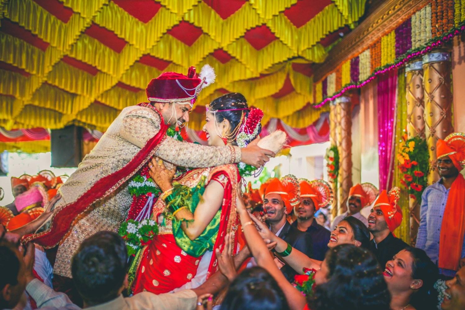 Varmala! by Aniket Kanitkar Photography Wedding-photography | Weddings Photos & Ideas