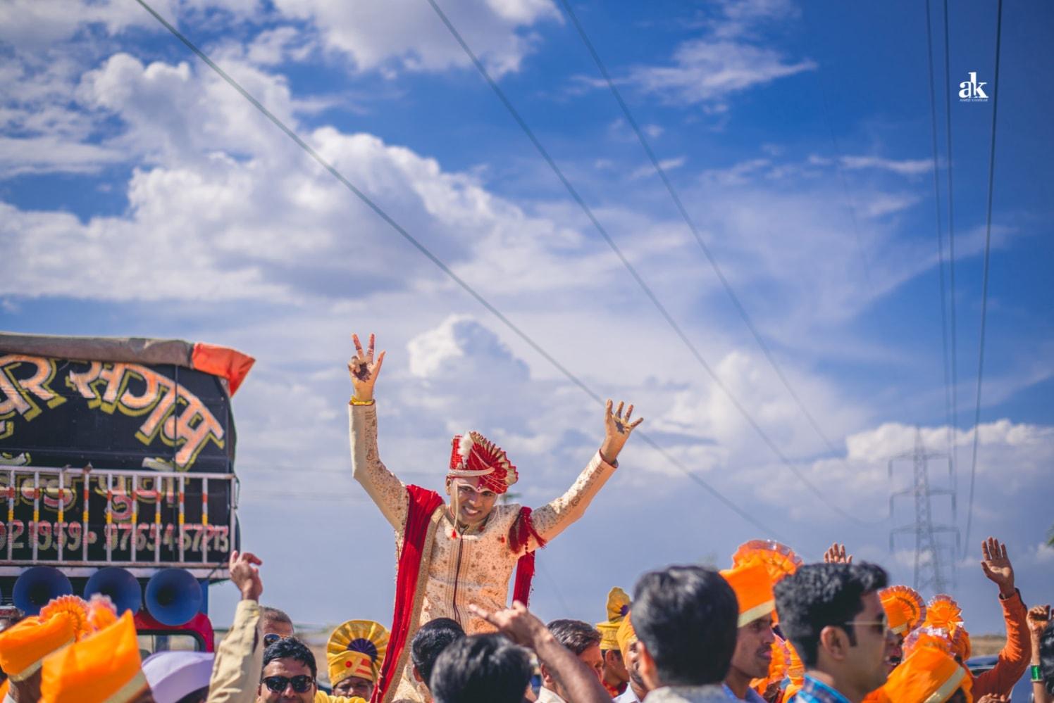 Dancing in joy! by Aniket Kanitkar Photography Wedding-photography | Weddings Photos & Ideas