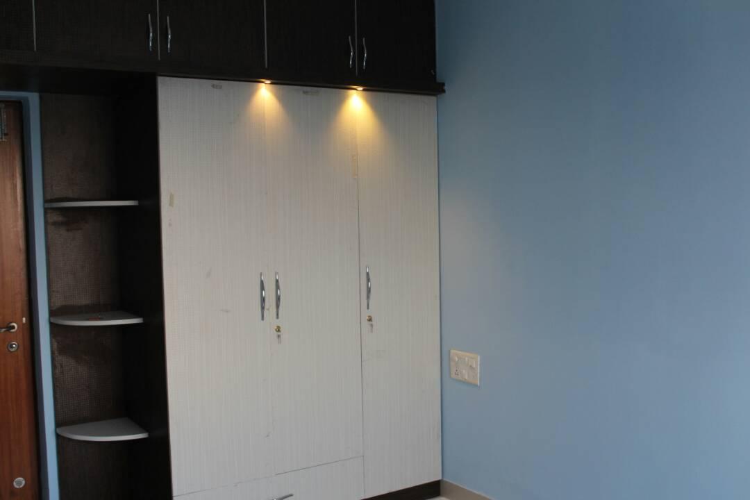 Wardrobe by Divine home interiors  Bedroom Contemporary | Interior Design Photos & Ideas