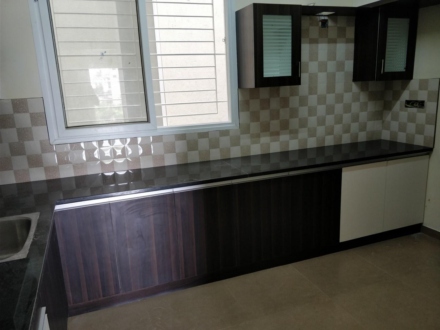 Modular Kitchen by Divine home interiors  Modular-kitchen Modern   Interior Design Photos & Ideas