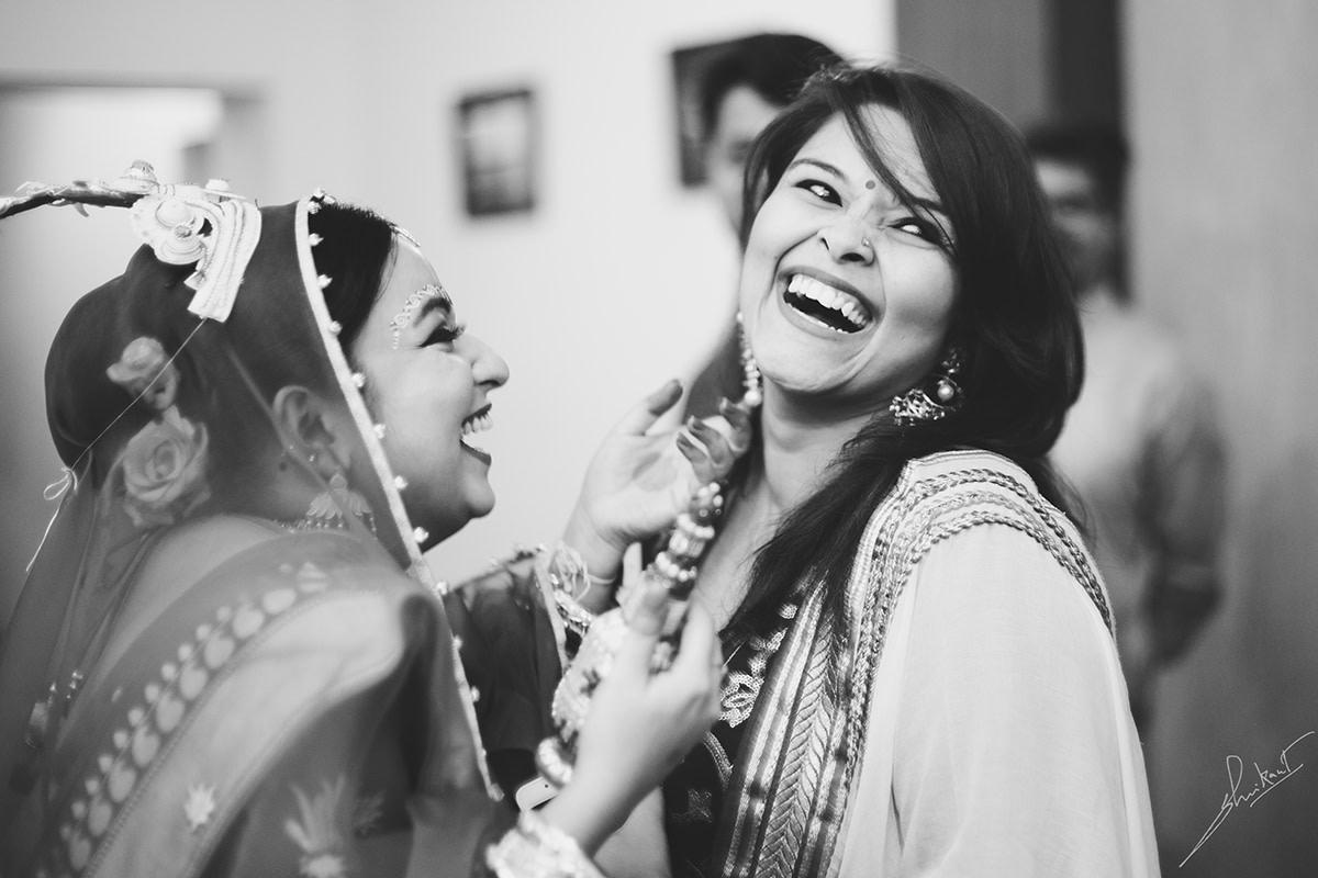Cheerful frame by Shrikant Narayan Arora Wedding-photography | Weddings Photos & Ideas