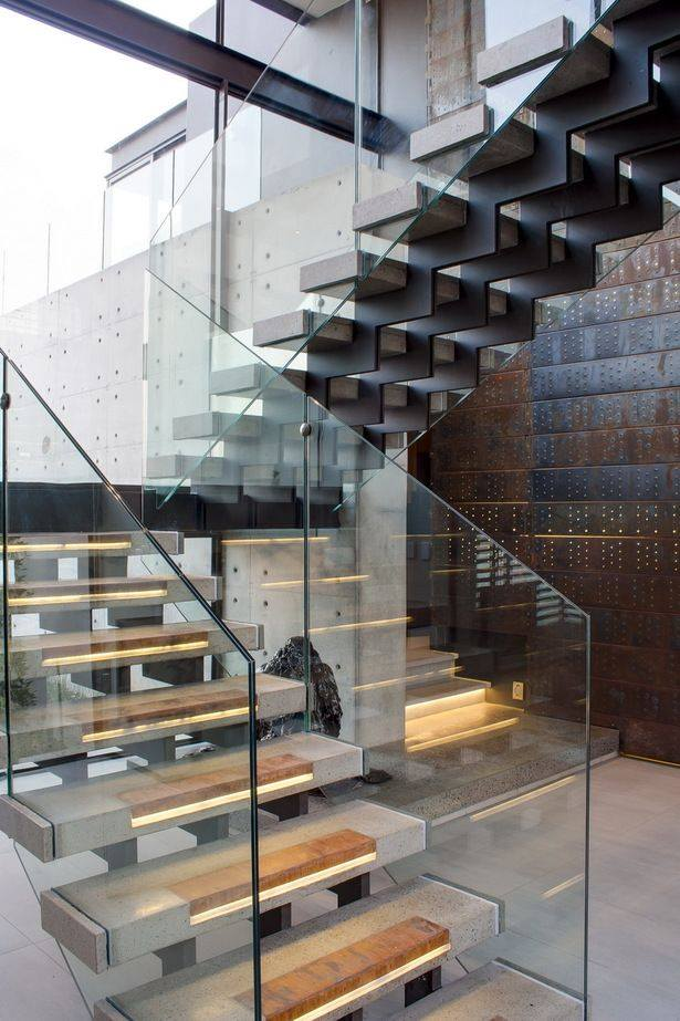L Shaped Staircase With Glass Work by Jyoti Yadav Indoor-spaces Modern | Interior Design Photos & Ideas