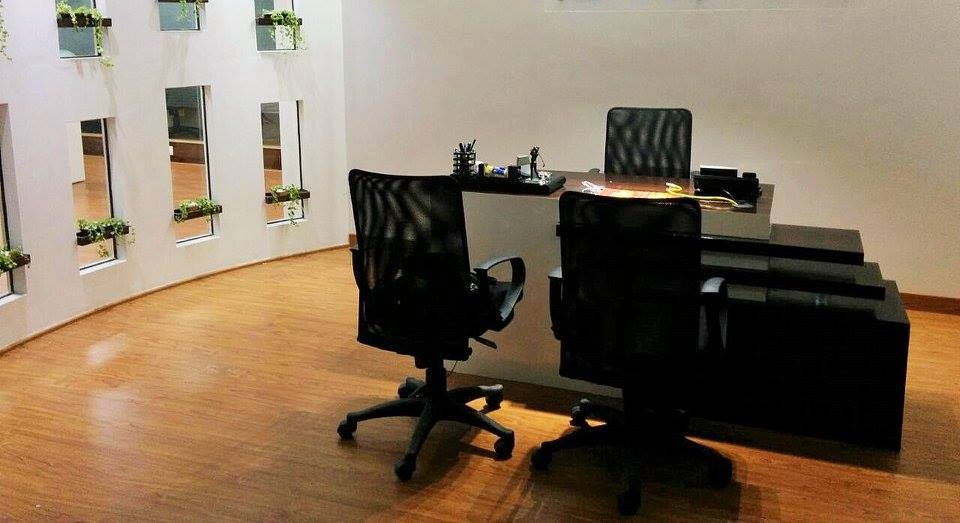 Office Cellular by Misaki Atelier Modern | Interior Design Photos & Ideas