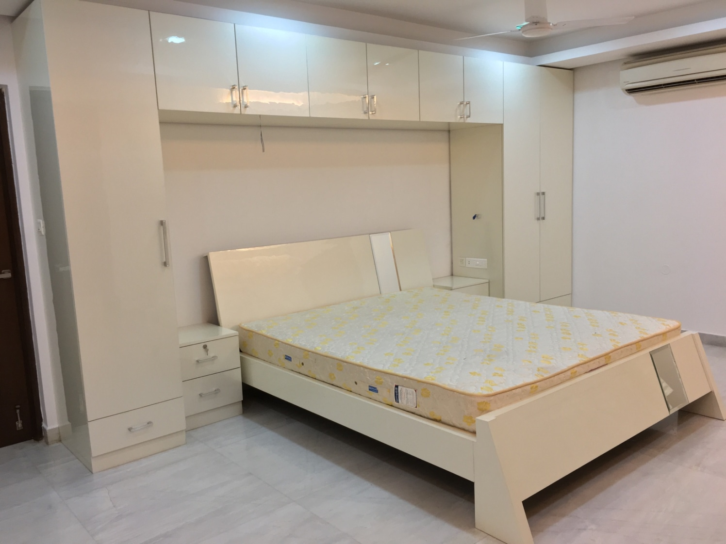 Bedroom by Urban Geometry Bedroom | Interior Design Photos & Ideas